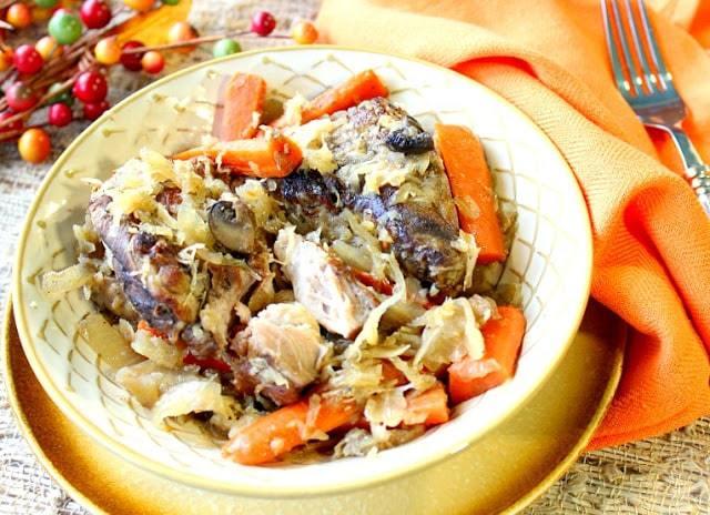 Slow-Cooker Ribs and Sauerkraut