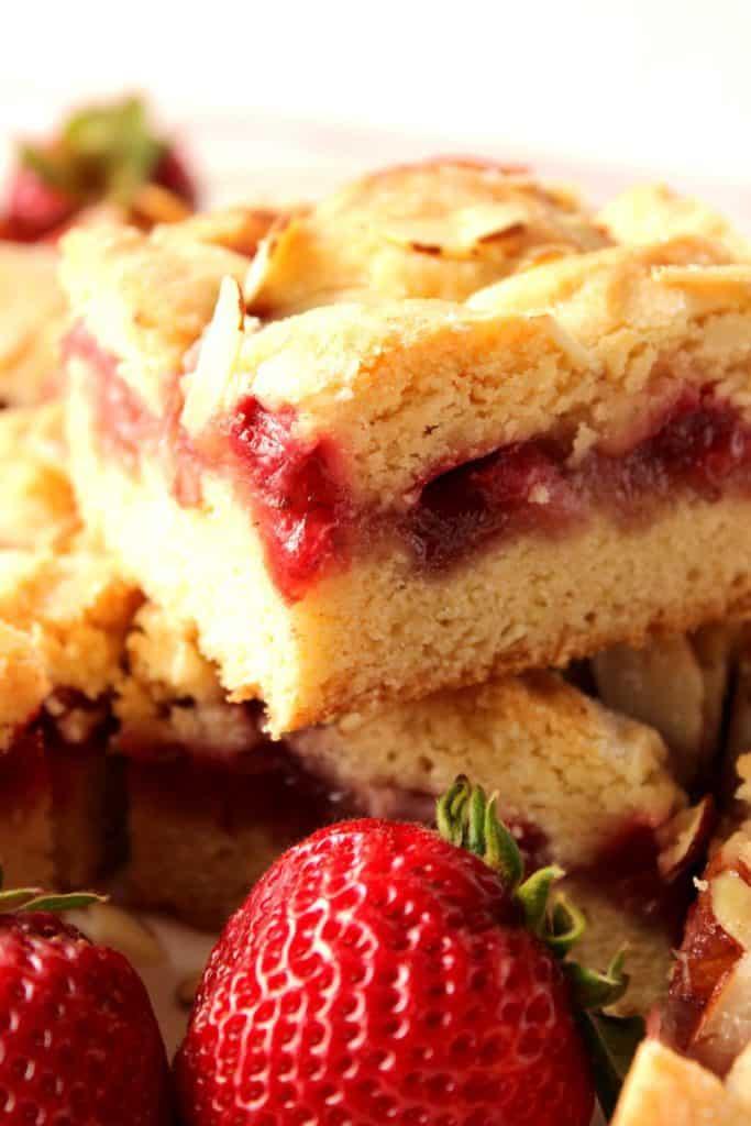 Easy to make strawberry cobbler bars