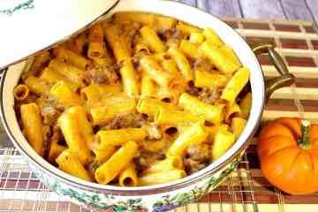 Pumpkin Cream Pasta with Bratuwrst