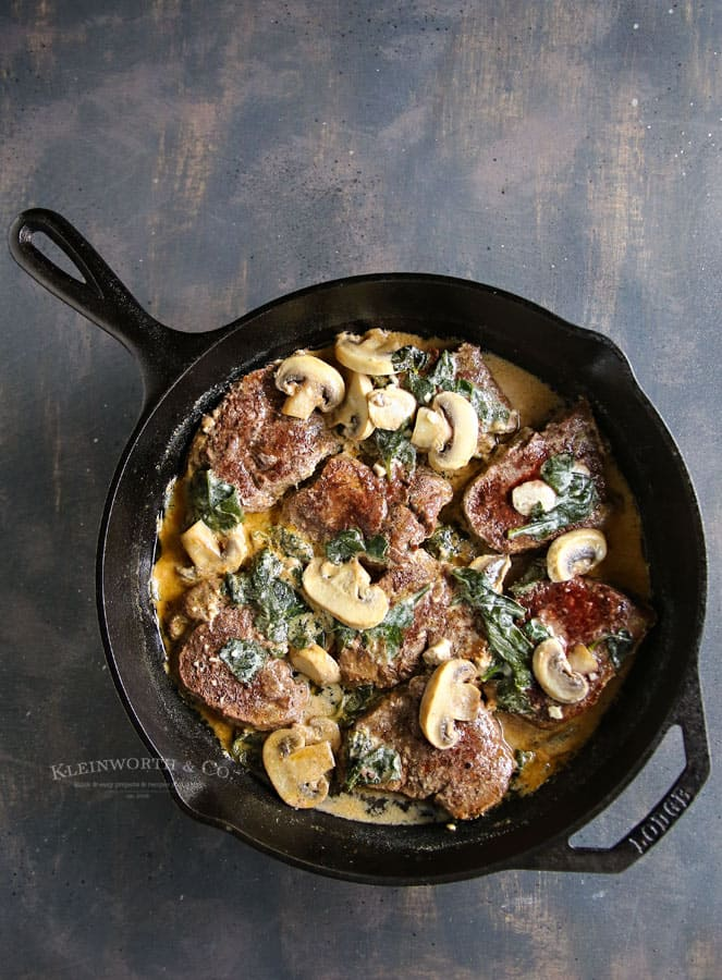 Spinach Mushroom Filet in White Wine Sauce
