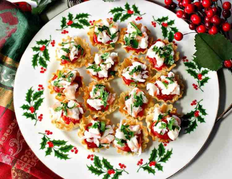 Festive Shrimp Cocktail Phyllo Bites with Cream Cheese and Cocktail Sauce | Kudos Kitchen by Renee
