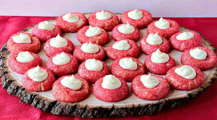 Cream Cheese Cookies with Creamy Cheesecake Filling