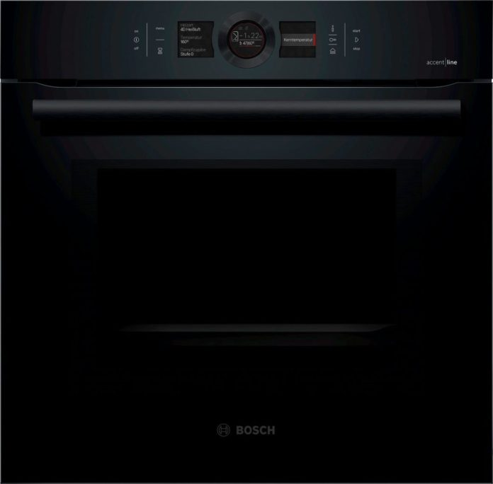 KI can already monitor baking and cooking processes in the oven room. Soon, the sensor oven from Bosch knows everything about the preferences of the user and can predict recipes and cooking times. (Photo: Bosch)