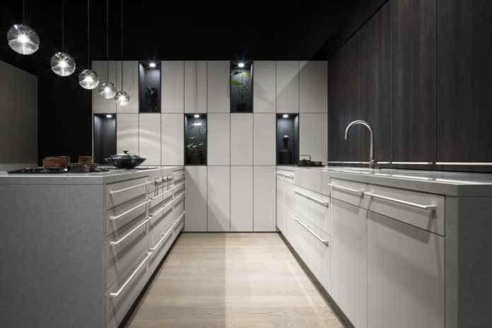 The materials for 2020 include super matt lacquer such as FENIX and wood in muted grays and blacks. Nevertheless, the Le Corbusier color palette can also be used. (Photo: EASY)