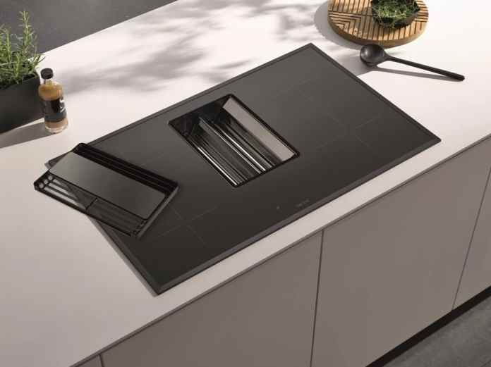 The nuts and bolts, says Gabriele Rapsch, is to cultivate his cooktop extractor. Who regularly grease filter from dirt and a little attention to the general handling of the device, get no problems with the downdraft. (Photo: berbel)