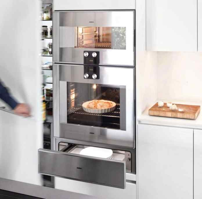 Put together your perfect kitchen according to your wishes. With an extra-large pantry, devices at chest height, dim lighting. This is not always the case with the same manufacturer. But everything in the studio on site when planning