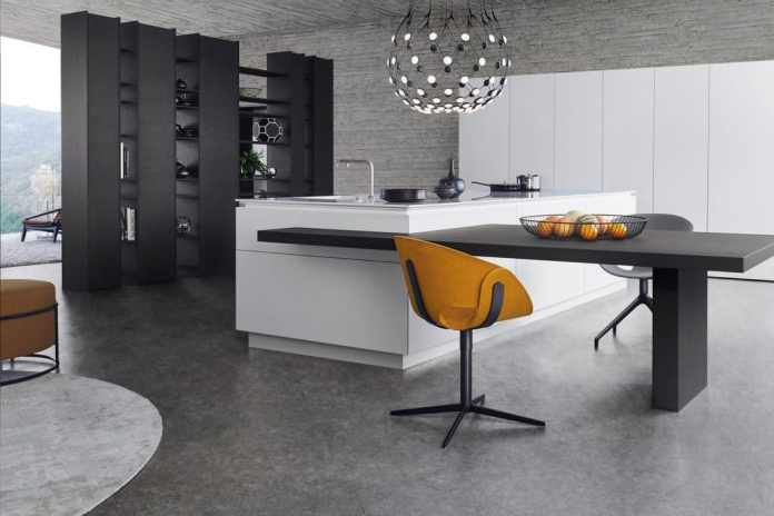 Some kitchen manufacturers, which have positioned themselves as entry-level and premium brands, are increasingly shifting to the luxury segment thanks to the increasing demand for quality kitchens. Architecture also plays an increasingly important role. (Photo: LEICHT)