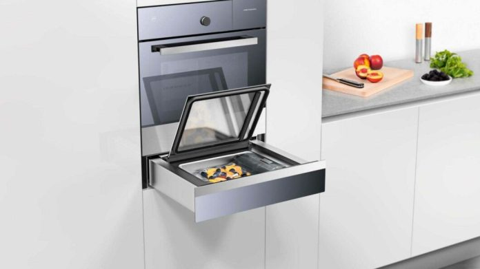 """""""Vacuisine"""" from the Swiss premium appliance manufacturer V-ZUG: The combination of a steam oven with sous-vide function and vacuum drawer provides everything you need for sous-vide cooking in your own kitchen. (Photo: V-ZUG)"""