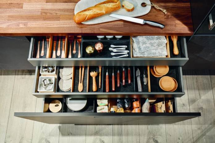 A well-thought-out arrangement inside the drawers ensures that everything can find its place even in small kitchen rooms. next125 relies on flex boxes made of real wood or molded fleece. (Photo: next125)
