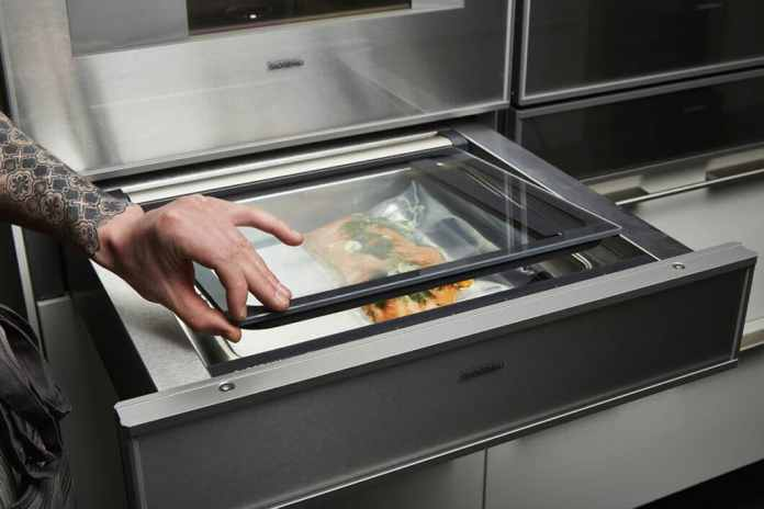 Inquire about the use of a vacuum drawer in your kitchen planning: as a rule, the device fits elegantly into any kitchen front as a simple panel. (Photo: Gaggenau)