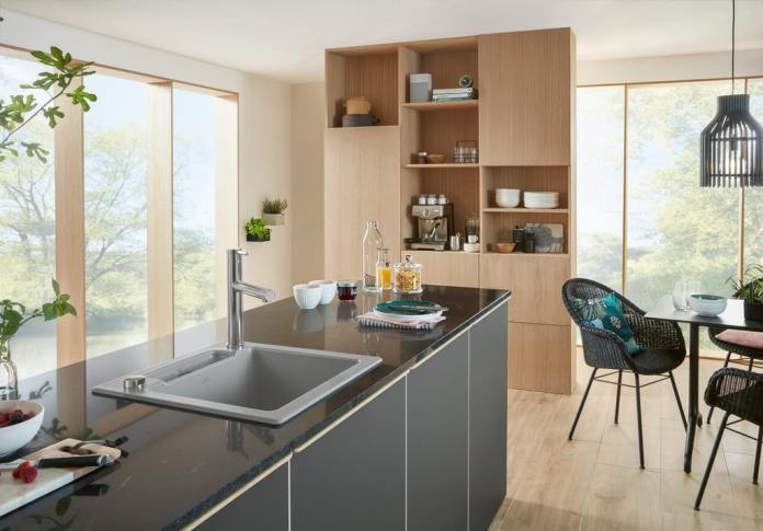 V&B wooden kitchens are available as a warm addition to the sleek, puristic kitchen look as well as in a modern country house style.  (Photo: Villeroy & Boch)