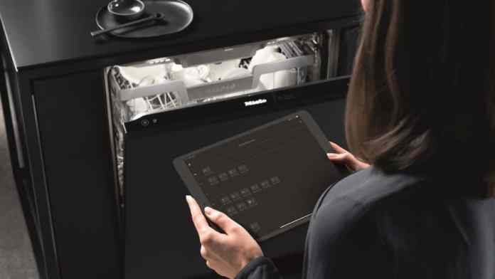 Energy efficiency class A according to the new label: almost all Miele class G 7000 dishwashers now meet these requirements.  (Photo: Miele)