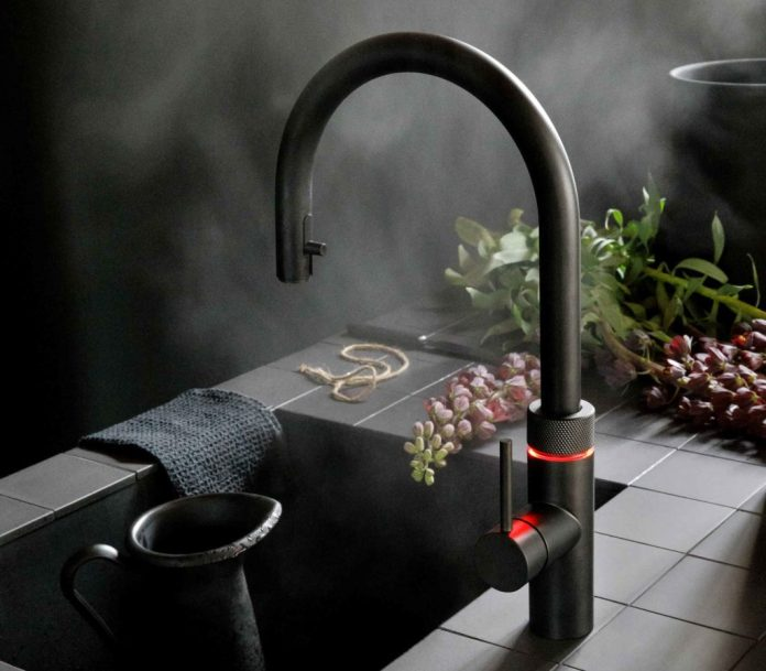 """Every third Quooker is in the """"Black Edition"""" chosen.  It looks majestic - especially with the red rotary knob.  (Photo: Quooker)"""