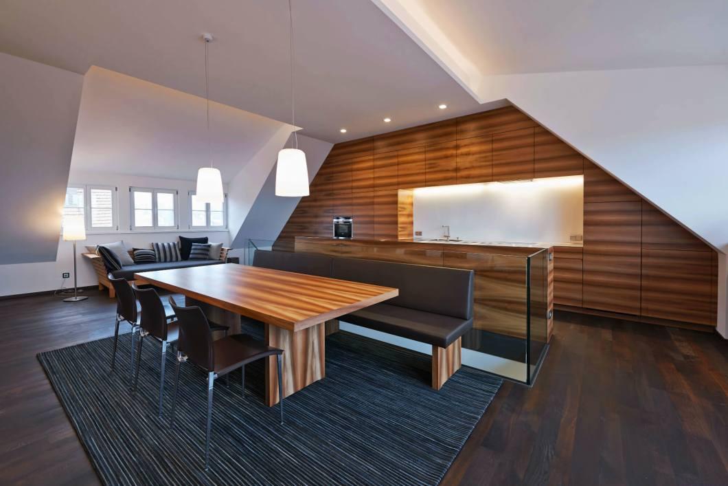 k che mit sitzbank ideen und bilder f r sitzb nke aus holz und leder in schwarz rot und. Black Bedroom Furniture Sets. Home Design Ideas