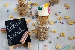 Leckere Muffins in Schultütenform. Bei dieser lustigen und leckeren Idee für die Einschulungsfeier habt gibt es Muffins und Waffeln in Einem. Probiert die Conecakes doch mal aus und backt sie als Muffins zur Einschulung. Küchentraum & Purzelbaum | #einschulung | #schulstart