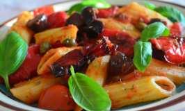 Tjestenina sa pečenim paprikama i daškom Mediterana