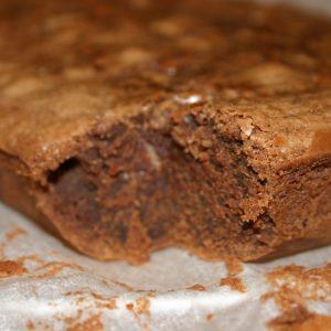 Brownie aux noisettes et au chocolat blanc