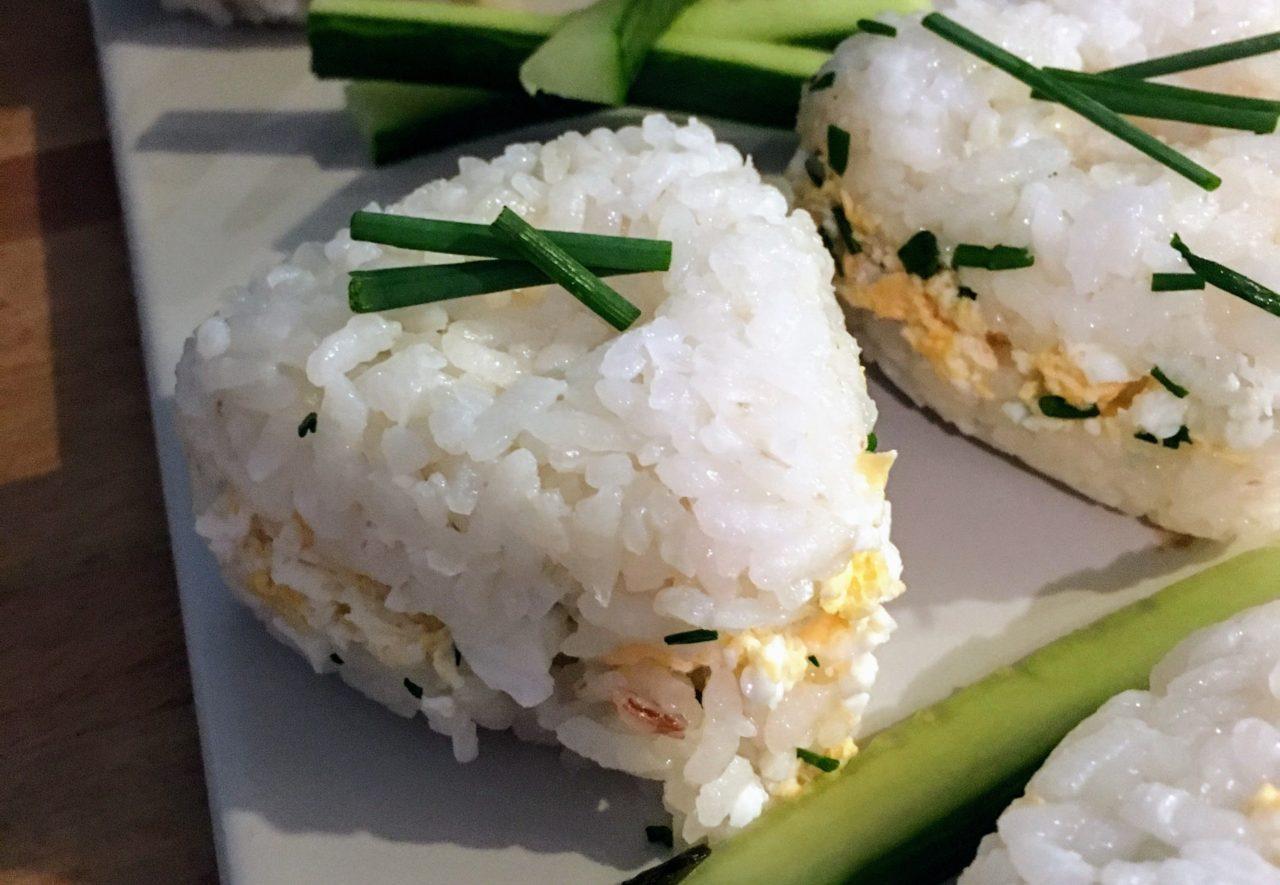 Onigiri omelette