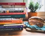 Omavaraisuuteen liittyvä kirjallisuus
