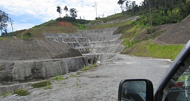 pembinaan Puah Dam Tasik Kenyir