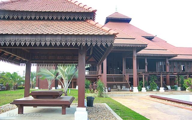 masjid seberang jertih