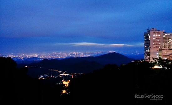 Menffunakan S3 - Pemandangan Kuala Lumpur jam 9 malam dari Genting Highlands