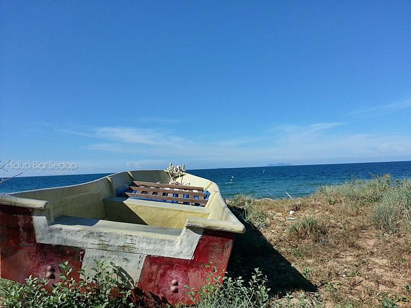 pemandangan laut di pantai timur