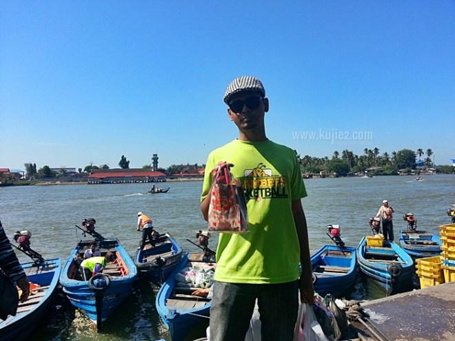 sampan ke Tak Bai Narathiwat