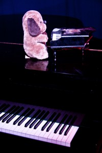 Blaue Fabrik; 11.09.2014; Ausgefallene Blaue Bühne mit Ben Everding