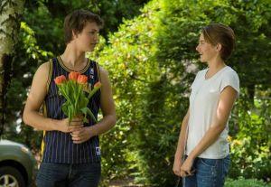 Créditos: Bajo la misma Estrella, película de Temple Hill Entertainment y TSG Entertainment, 6 películas en la que las flores fueron protagonistas