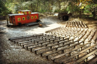 florida-christian-retreat-and-conference-center-miners-camp-seating-3-sm