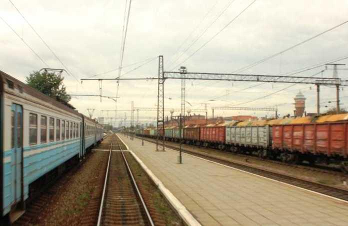 Поїзд «Львів – Лавочне» тимчасово не курсуватиме