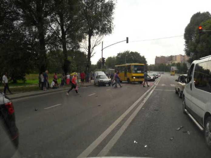 У Рясне-1 водій намагався покинути місце ДТП