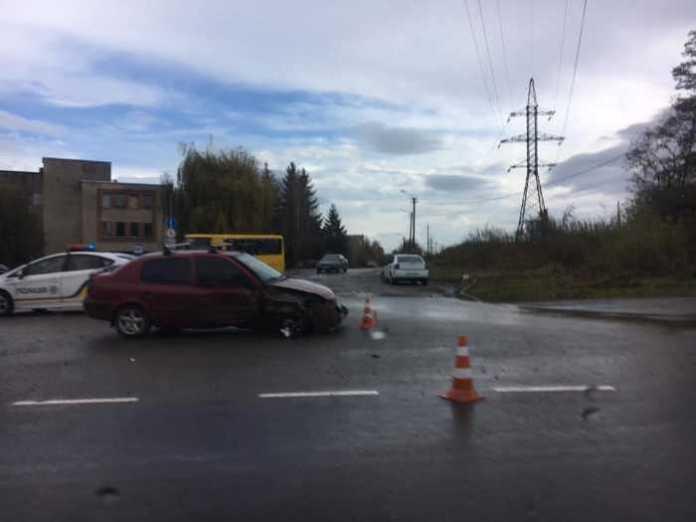 У Львові сталась аварія. Фото Варта-1