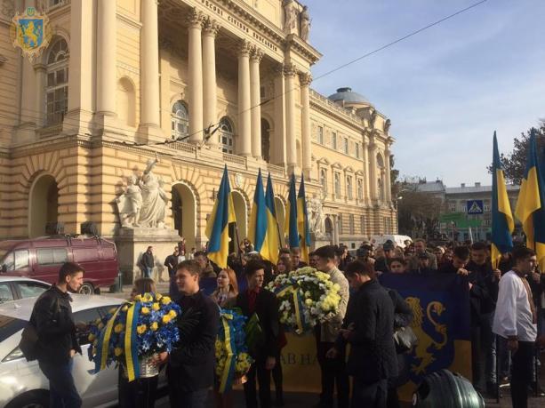 З нагоди 100-річчя ЗУНР на Львівщині стартувала урочиста студентська хода