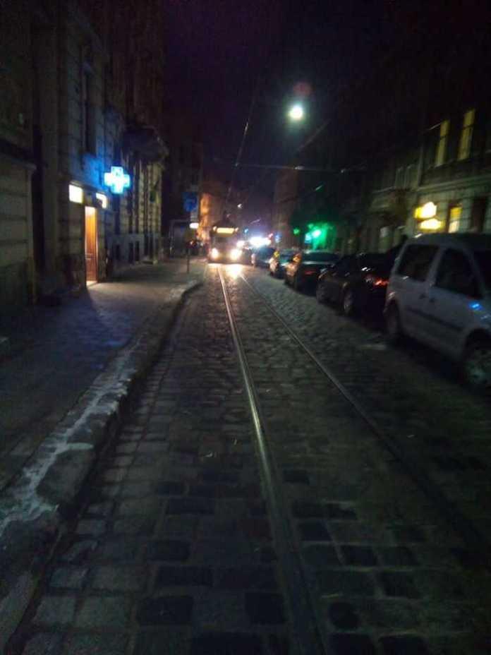У Львові поламався трамвай. Фото Варта-1