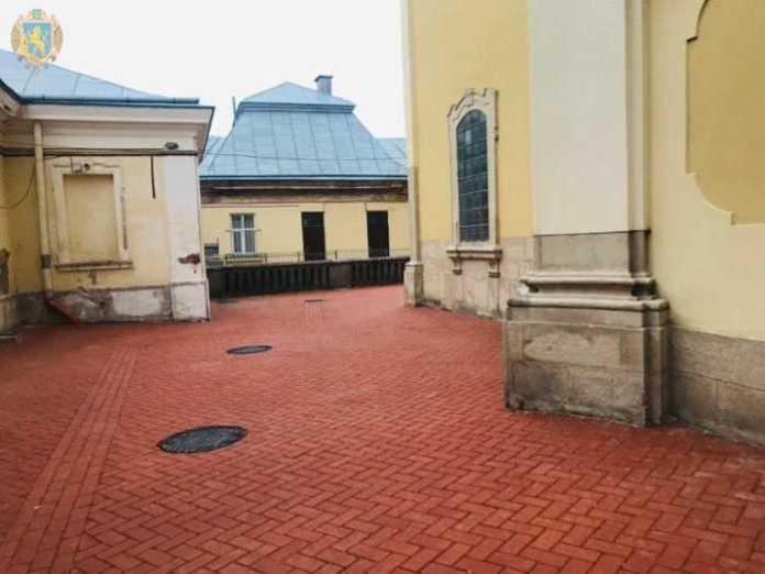 Синютка проінспектував хід робіт із реконструкції Собору святого Юра