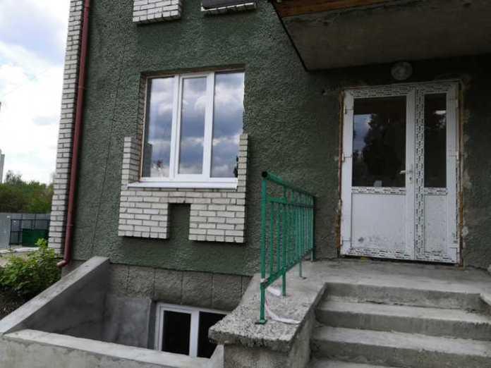 На Львівщині у лікарні побили вікна. Фото - прес-служба ДМР