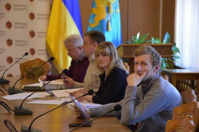 На Львівщині для 14 дітей-сиріт придбають житло