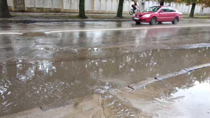 Потоп на вулиці Левандівській у Львові. Фото Варта-1
