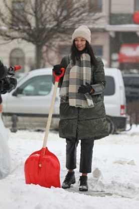 Чиновники Садового прибирають Львів від снігу , фото ЛМР