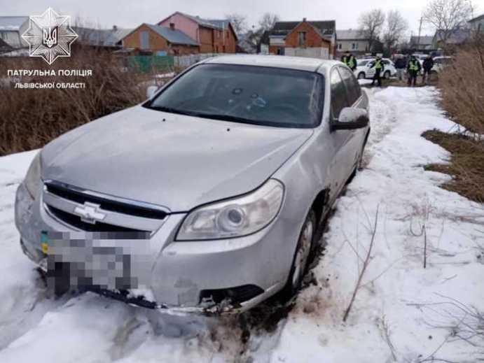 На Львівщині порушник ПДР стріляв у патрульних з рушниці