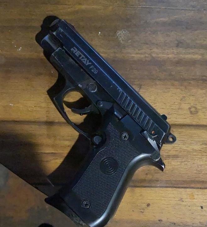 На Яворівщині у чоловіка вилучили зброю. Фото: Нацполіція