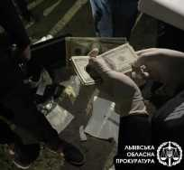 За підбурювання до надання хабаря у Львові затримали адвоката