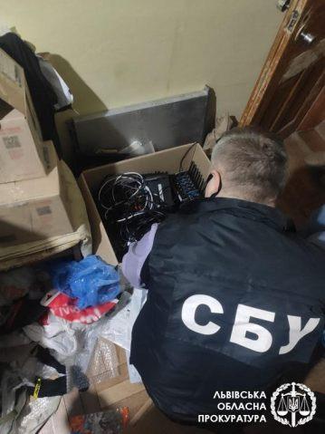 У Львові викрито діяльність «ботоферм», які використовувалися для викрадення персональних даних працівників СБУ