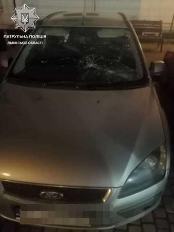 37-річний мешканець Херсонської області потрощив автомобілі у Львові і заліз у магазин