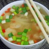 Wietnamska zupa krewetkowa