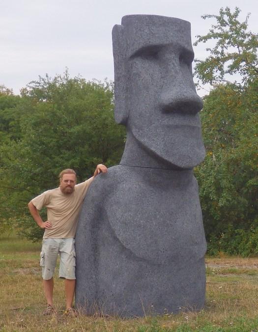 Moai kulisy, moai kráčející stěhování doprava socha dekorace kulisy výroba, Moai statue produktion, polystyrene