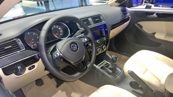 2015-Volkswagen-Jetta-Interior (1)