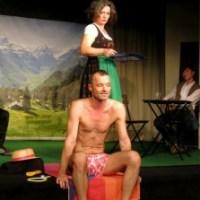 """(Gar nicht so) Absurdes Theater von Václav Havel - """"Das Berghotel"""" im Kellertheater Hamburg ist ein Genuss fürs Gehirn!"""